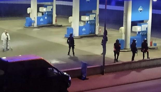 Клиент застреля 20-годишен работник на бензиностанция, след като той го
