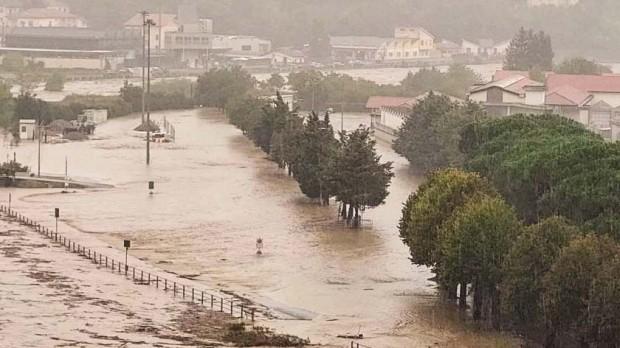 Приближава сериозна валежна обстановка. Това алармират синоптиците от Meteo Balkans.