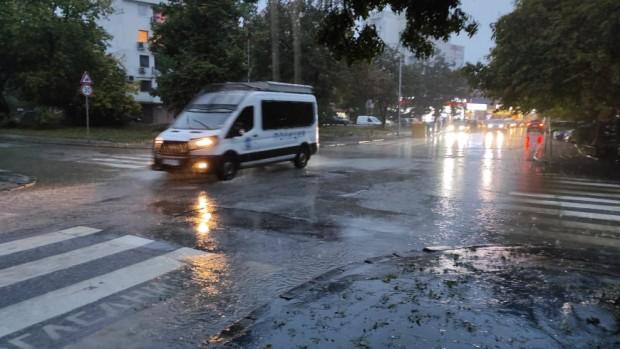 Varna24.bg Днес валежите ще продължат, но постепенно ще отслабват. Значителни количества