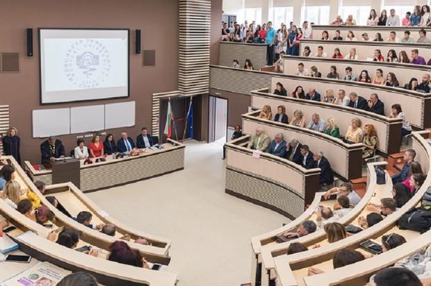 МУ-София И медицинските университети ще преминат временно към онлайн обучение. Причината