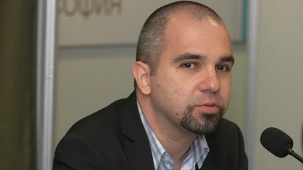 БГНЕС Социологът Първан Симеонов с мнение във фейсбук относно новите мерки