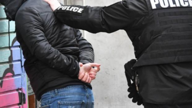 Криминалисти от РУ- Шумен установиха и задържаха извършител на кражба