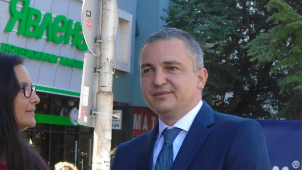 Varna24.bg виж галерията От догодина Варна ще има умни пешеходни пътеки.