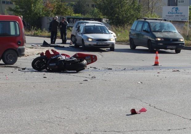 Търсят се кръводарители за моториста, койтопострада тежко в катастрофа снощи.