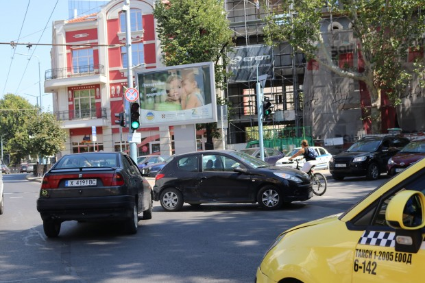 Хасковски автомобил се замеси в катастрофа в Пловдив днес, съобщава