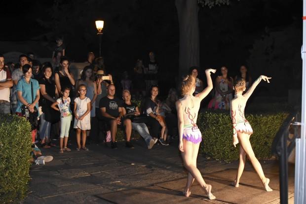 Десетки хиляди пловдивчани и гости на града изпълниха снощи Пловдив
