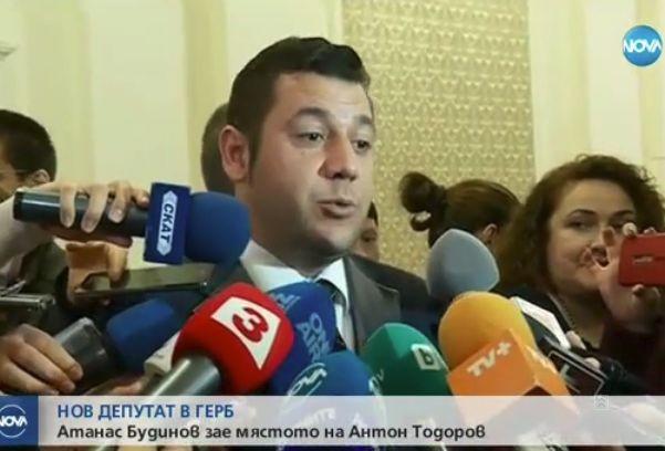 Снимка: Актьорът-депутат Евгени Будинов: Чувствам се страхотно в парламента