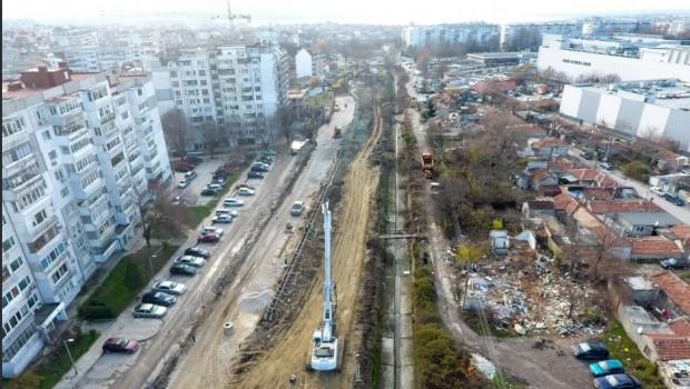 """Кметът Иван Портнихпоказа как изглежда изграждането на новия булевард """"Левски"""""""