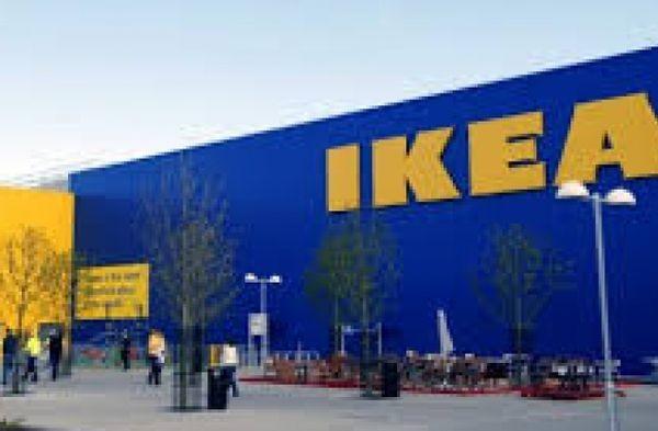 """Шведският мебелен гигант """"Икеа"""" разпространи рекламна брошура, с която подканва"""
