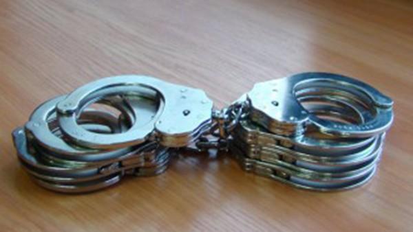 <div По искане на Окръжна прокуратура - Сливен, съдът задържа