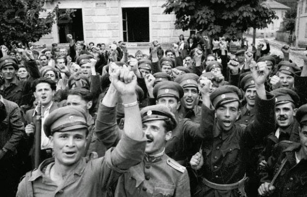 Червените ревнаха , че партизаните и Червената армия изпаднали от