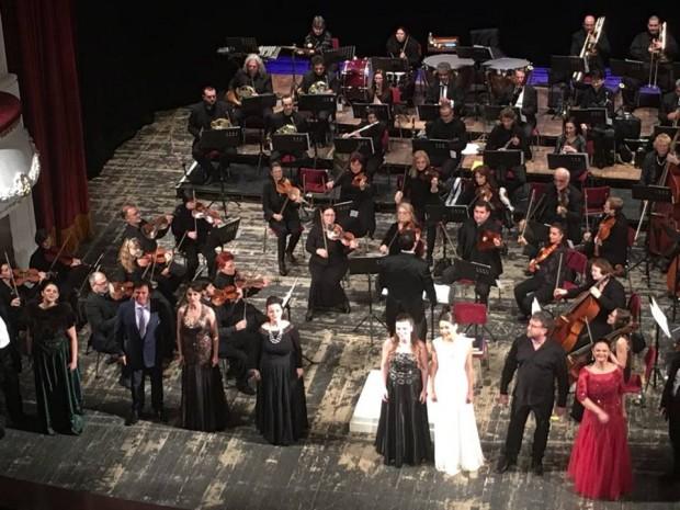 Varna24.bg Публика от ценители на оперното и оперетното изкуство в