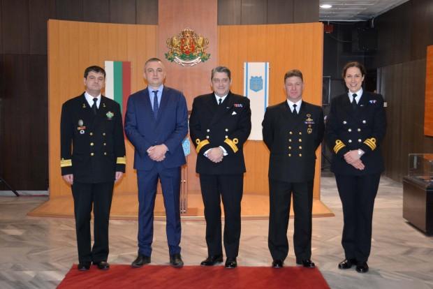 Кметът на Варна Иван Портних се срещна днес с командири