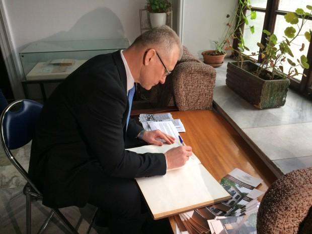 По покана на МУ-Варна вчера посланикът на Литва за България