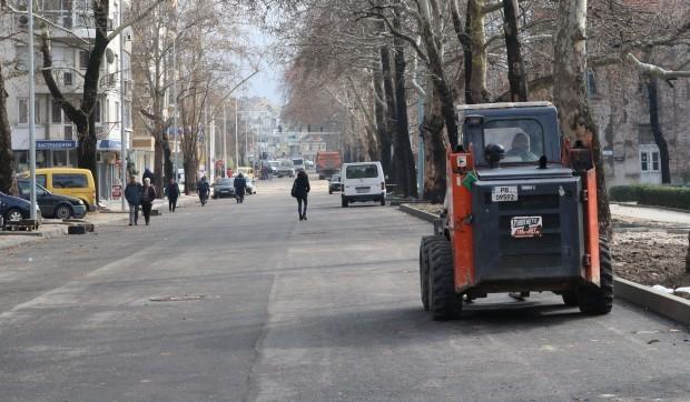"""Приключило е асфалтирането на бул. """"Васил Априлов"""". Новината съобщи кметът"""