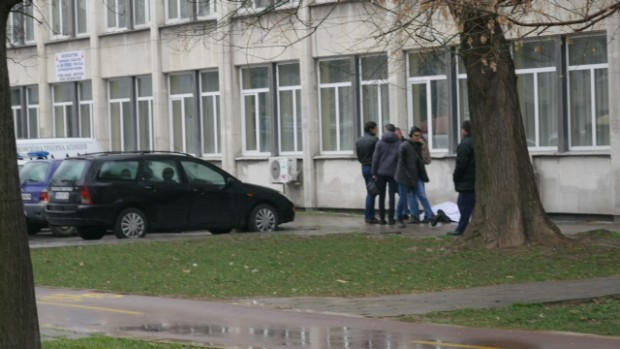 72-годишен мъж е починалият днес пред ДКЦ II в Пловдив