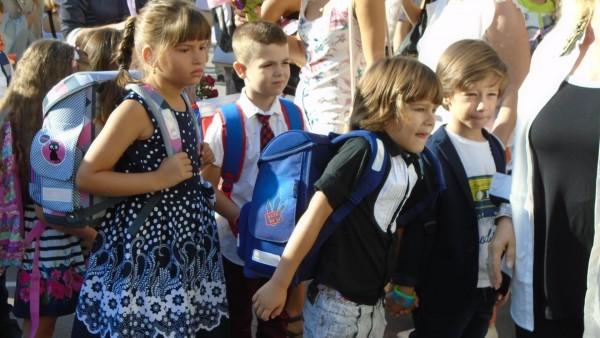 Varna24.bg.В една от жалбите родителите споделят, че са закупили жилище
