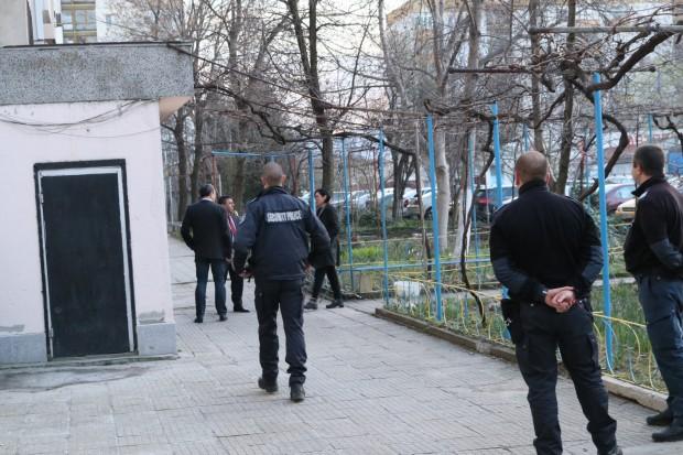 Два трупа са открити в район