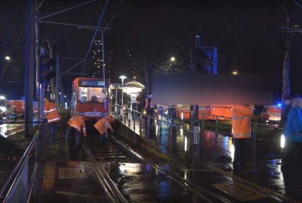 Над 40 души са пострадали, след като два влака от
