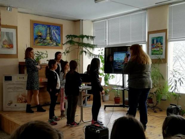 Телевизионни рубрики на живо правят четвъртокласници от пловдивското ОУ