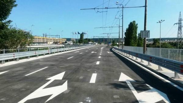 От днес започваизкърпването на дупките по Аспаруховия мост. Varna24.bg припомня,