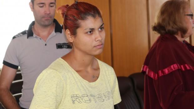 Делото срещу 18-годишната Гергана Благоева, която удуши бебето си в