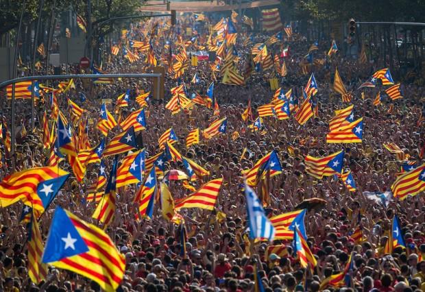 В Барселона хиляди започнаха протестен марш срещу задържането в ареста