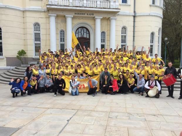 За втора поредна година клубът по български народни танци