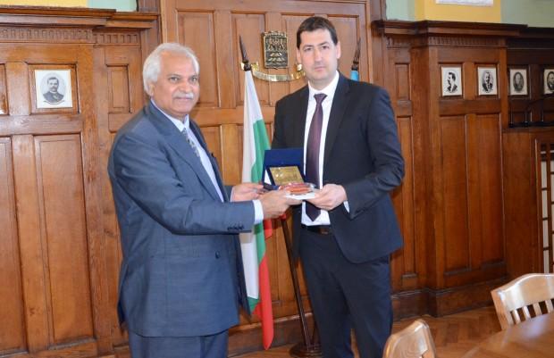 Побратимяването на Пловдив с град Лахор, Пакистан обсъдиха на среща