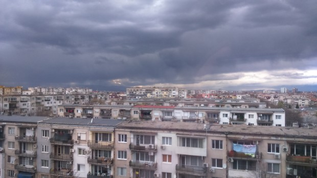 Blagoevgrad24.bg Дъждове и рязко захлаждане ни очакват след априлското лято, на