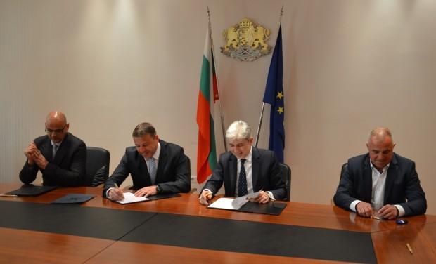 Кметът на Благоевград д-р Атанас Камбитов, заедно с кметовете на