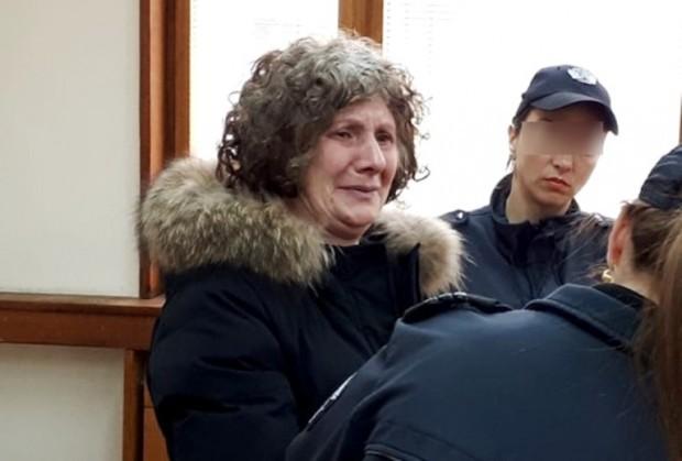 Крадлата от магазини за дрехи в Бургас, арестувана миналия петък,