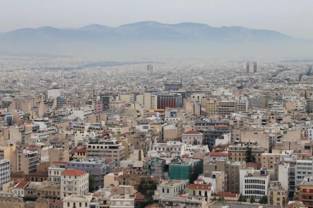 Гърците са започнали да изостават финансово и не могат да
