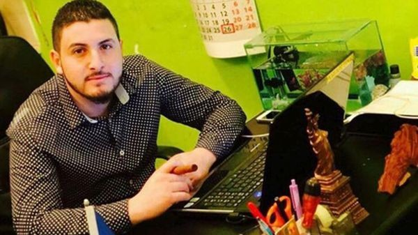 Българин от ливански произход желае да зарадва абитуриенти в затруднено