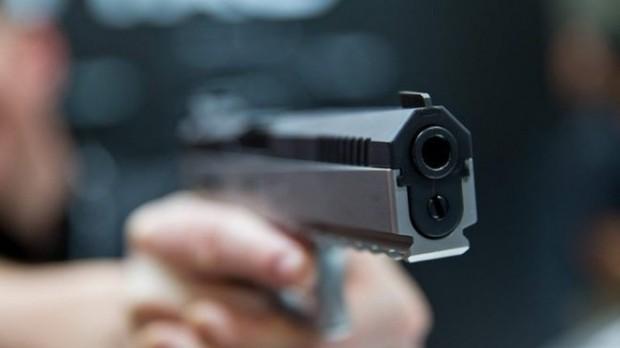 Като по филмите! Маскиран опита да обере бургаско казино, халоса с пистолет служител