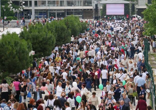 Десетки хиляди пловдивчани почетоха най-светлия български празник