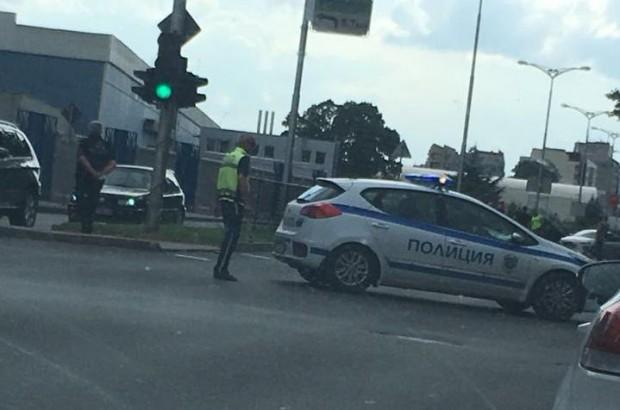 Тежка катастрофа е станала преди минути срещу многоетажния паркинг на