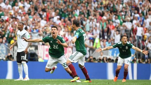 Мексико хвърли голямата бомба от началото на световното първенство по