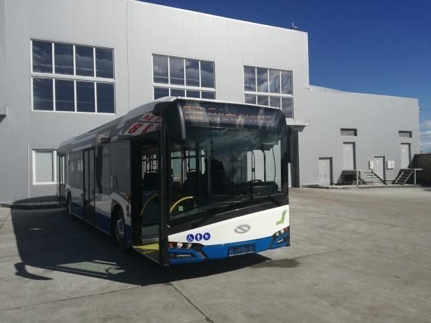 <div Пристигнаха още 10 от новите свръхмодерни автобуси на Варна,