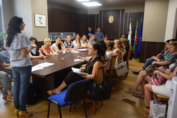 70 гидове от Бургас ще придружават участниците и отборите в