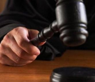 >Съдът одобри постигнатото между прокуратурата, подсъдимия и неговия защитник споразумение,
