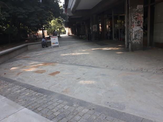 Пешеходното пространство до Дома на техниката е готово. Остава само