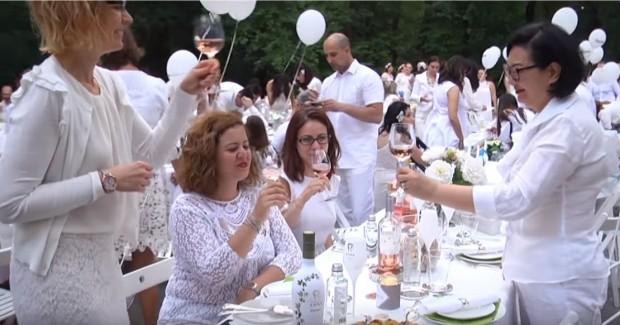 Както Varna24.bg съобщи, тайна бяла вечеря, обвита в мистика, предстои