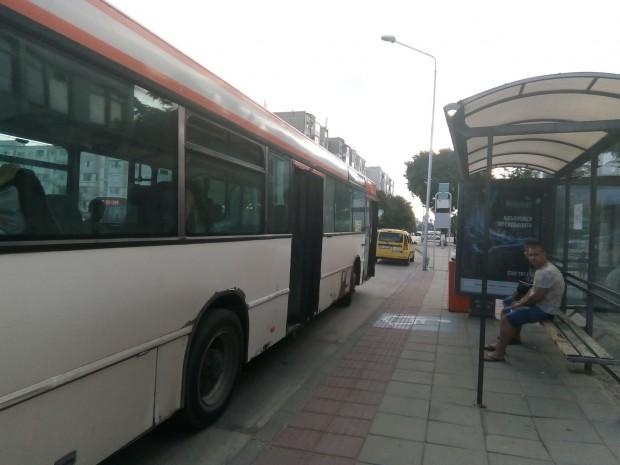 Varna24.bg.Човекът изрази възмущението си от факта, че в час пик