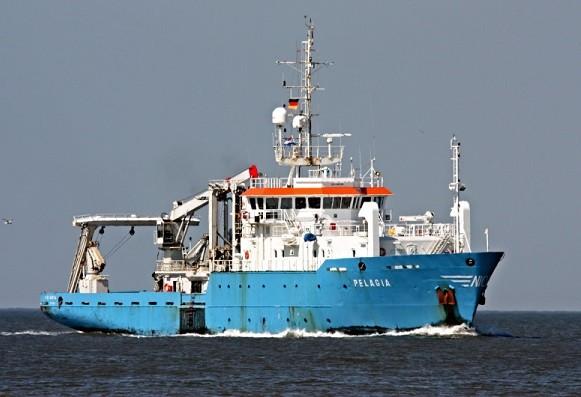 Научно-изследователският кораб