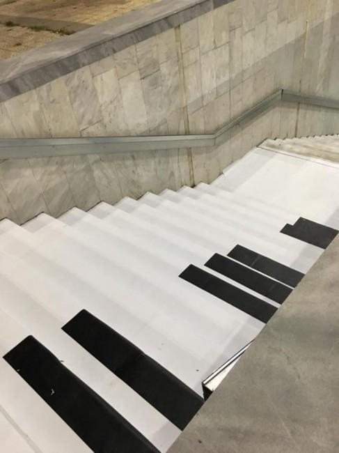 Фейсбук Пиано стълбите в подлеза до Катедралата вече са напълно