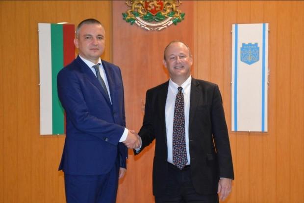 Кметът на Варна Иван Портних се срещна с посланика на
