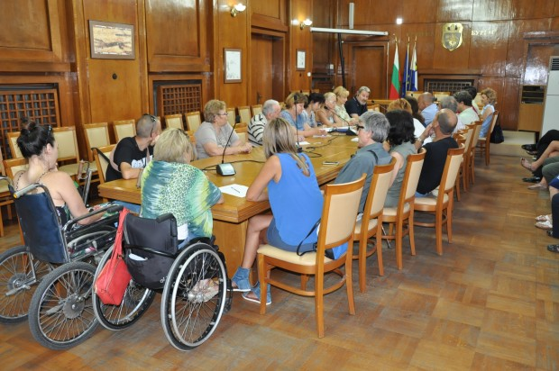 Община Бургас ще работи съвместно с хората с увреждания за