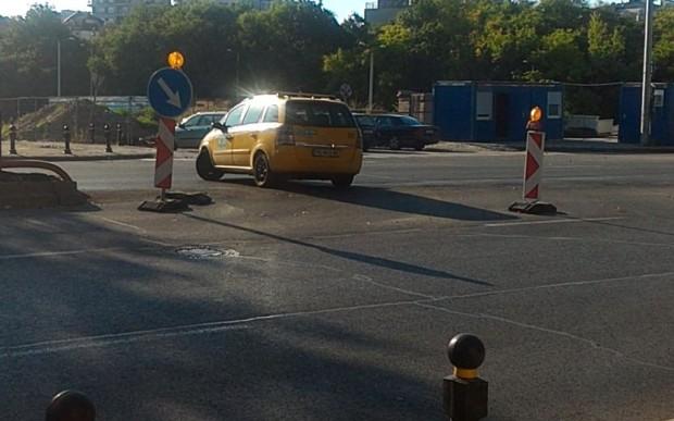 Продължават наглите изпълнения по най-оживения пловдивски булевард. Това информира читател