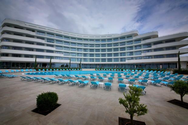 45-годишната история на най-емблематичния хотел на Златни пясъци -